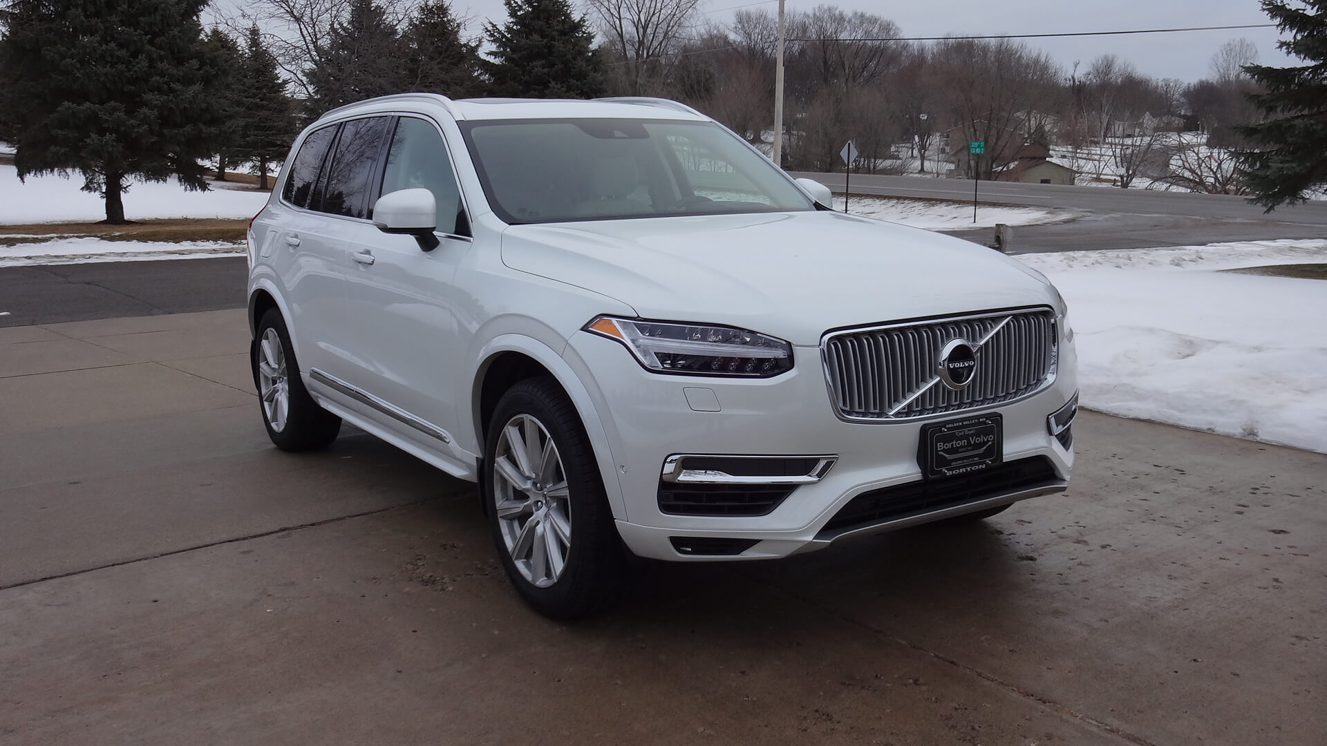 https://epunjaci.hr/wp-content/uploads/2018/10/2016-volvo-xc90-t8-plug-in-hybrid.jpg