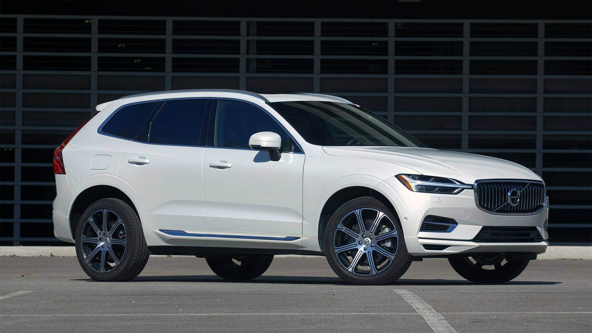 https://epunjaci.hr/wp-content/uploads/2018/10/2018-volvo-xc60-t8.jpg